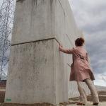Eine Wand vor dem Meer in Kesennuma. (c) S. Blaschke